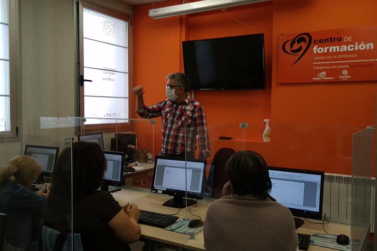 """El Centro de formación Virgen de la Esperanza inicia una nueva formación de """"Competencias clave en lengua y matemáticas para nivel 2"""""""
