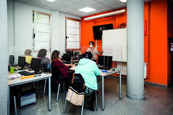 Inditex aporta 11.400 euros al proyecto 'En clave de formación'